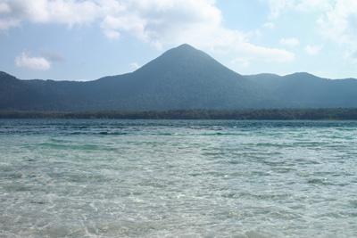 透明度の高い宇曽利湖