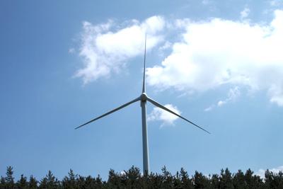 青森のどこかにある風車 その1