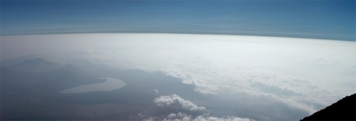 富士山頂から見た空