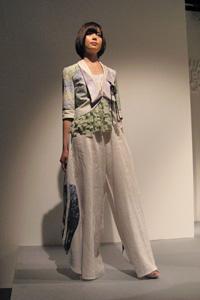 KDS2010卒展-ファッションショー02