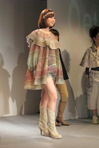 KDS2010卒展-ファッションショー04